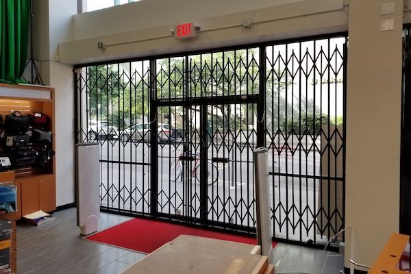 Storefront Scissor Gate Specifications